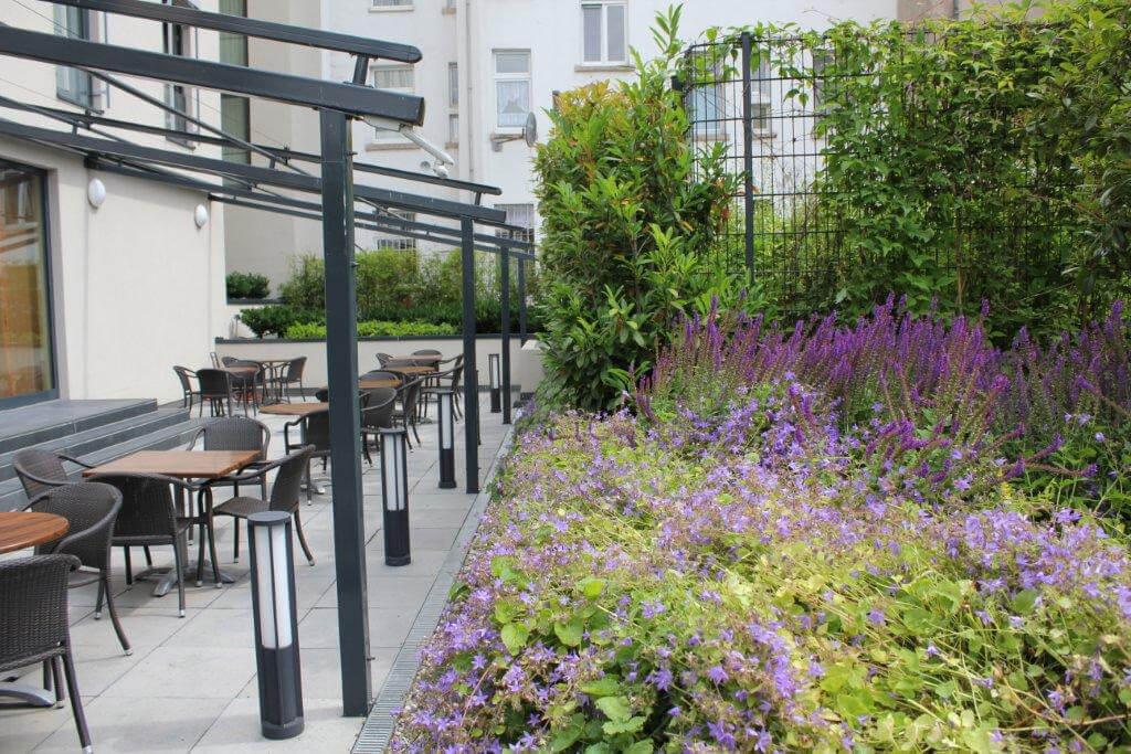 Gartenpflege Frankfurt privatgärten grünanlagen außenanlagen grüner leben